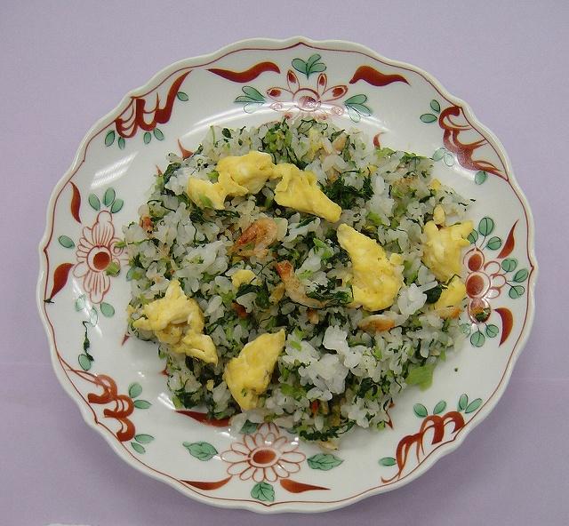 ハーニップの葉と卵の炒飯