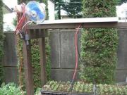 ひとまず直結で扇風機を稼働させてみる。